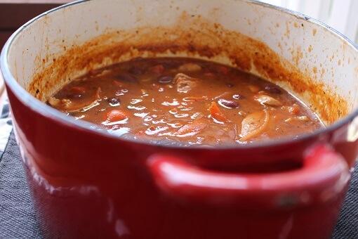 mediterranean-chicken-breast-casserole-in-pot